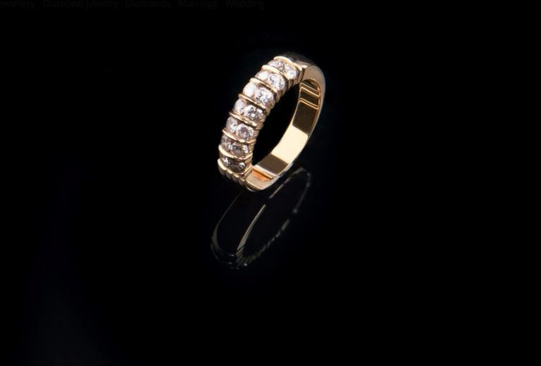 Important factors to consider in choosing a diamond ring