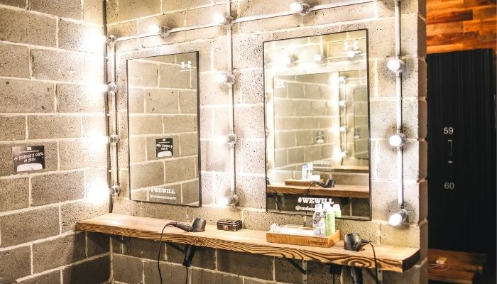 The Many Uses Of A Mirror Vanity