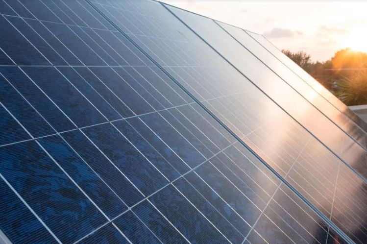 A Homeowner's Guide to the Pros and Cons of Monocrystalline Solar Panels