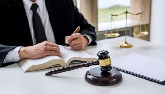 What Should You Consider Before Hiring a Criminal Defense Lawyer?